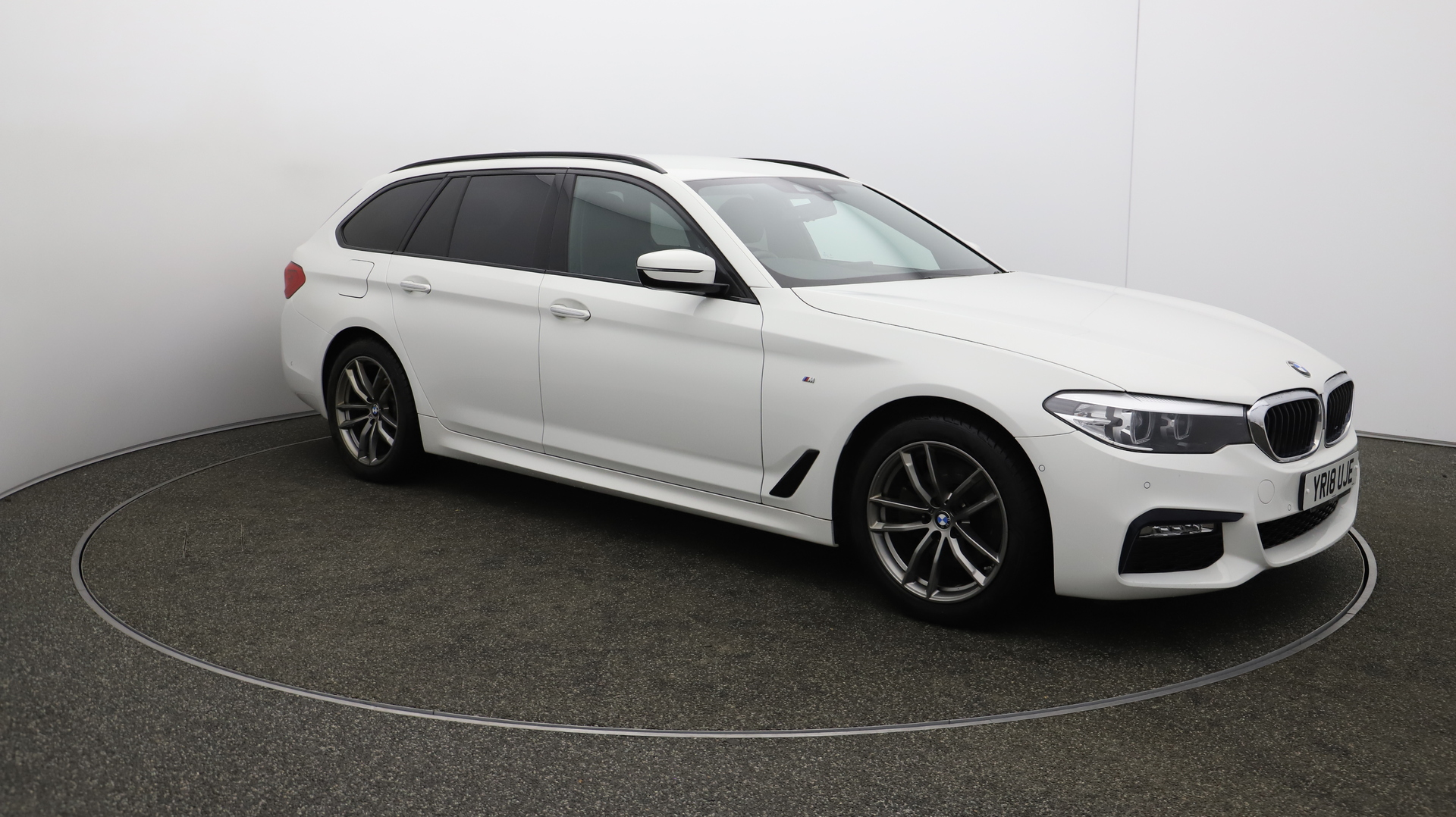 BMW 5 Series 520D M SPORT TOURING Service History