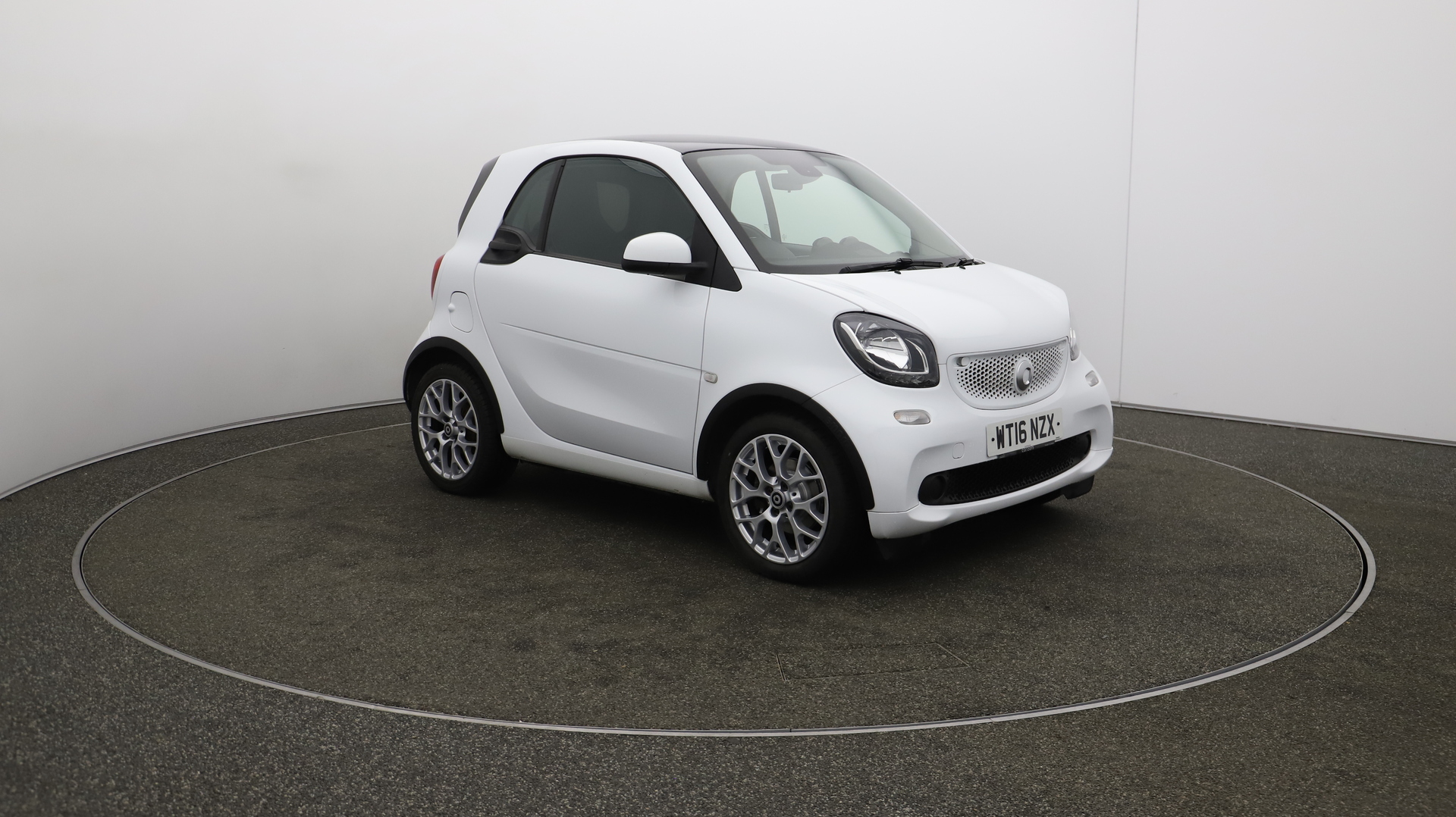 Smart fortwo EDITION WHITE T Service History