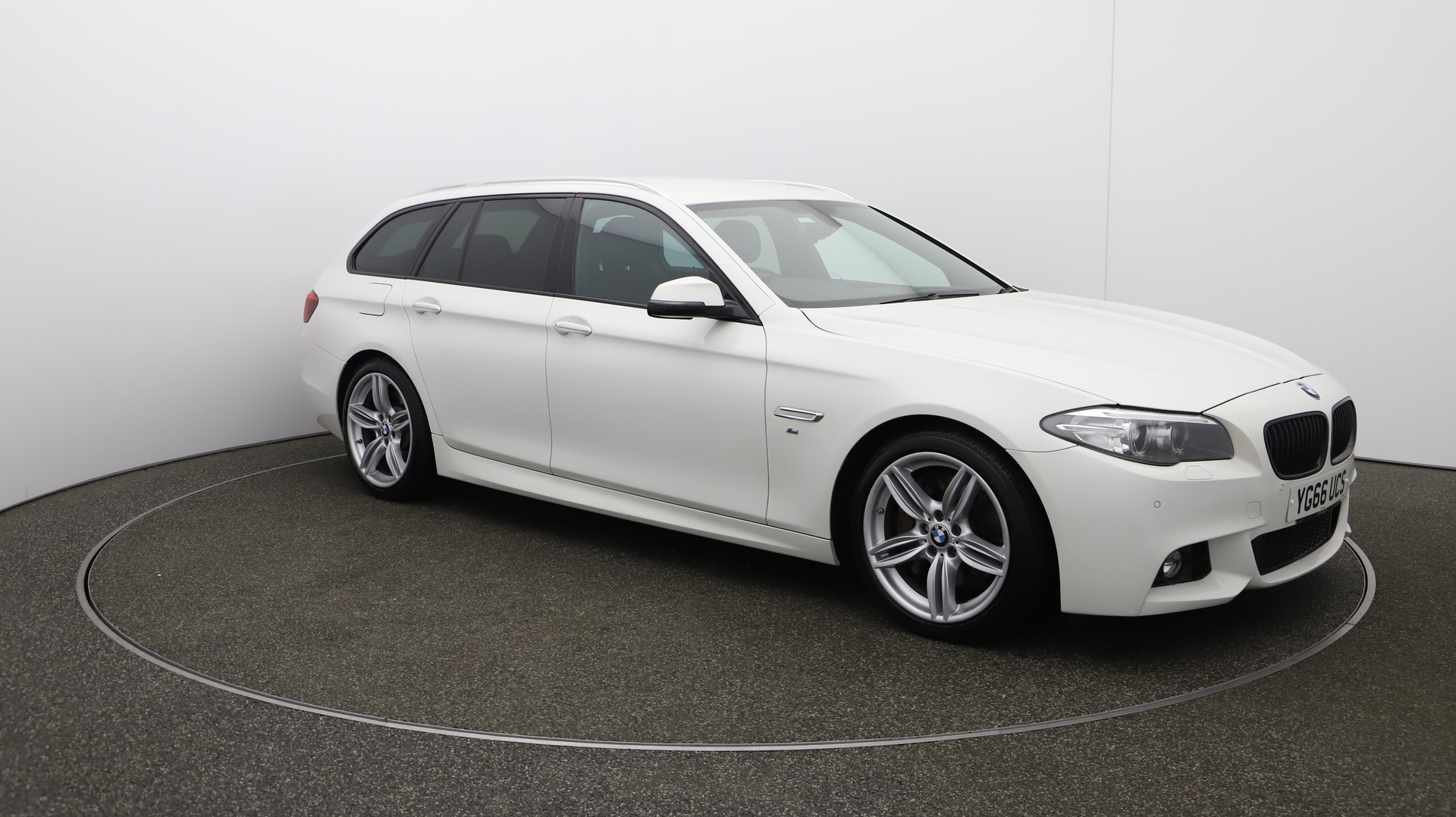 BMW 5 Series 535D M SPORT TOURING Service History