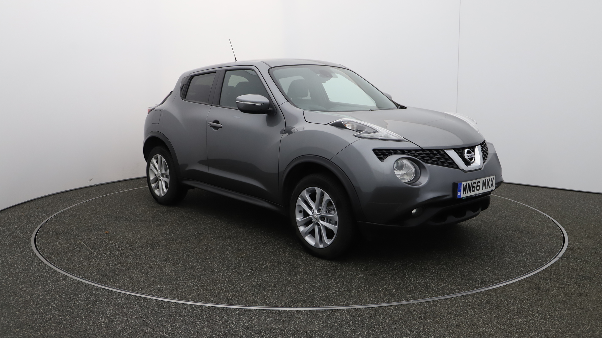 Nissan Juke n-connecta-dci Service History