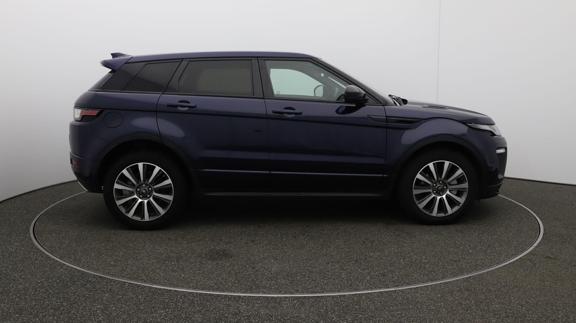 Land Rover Range Rover Evoque hse-dynamic-lux Service History