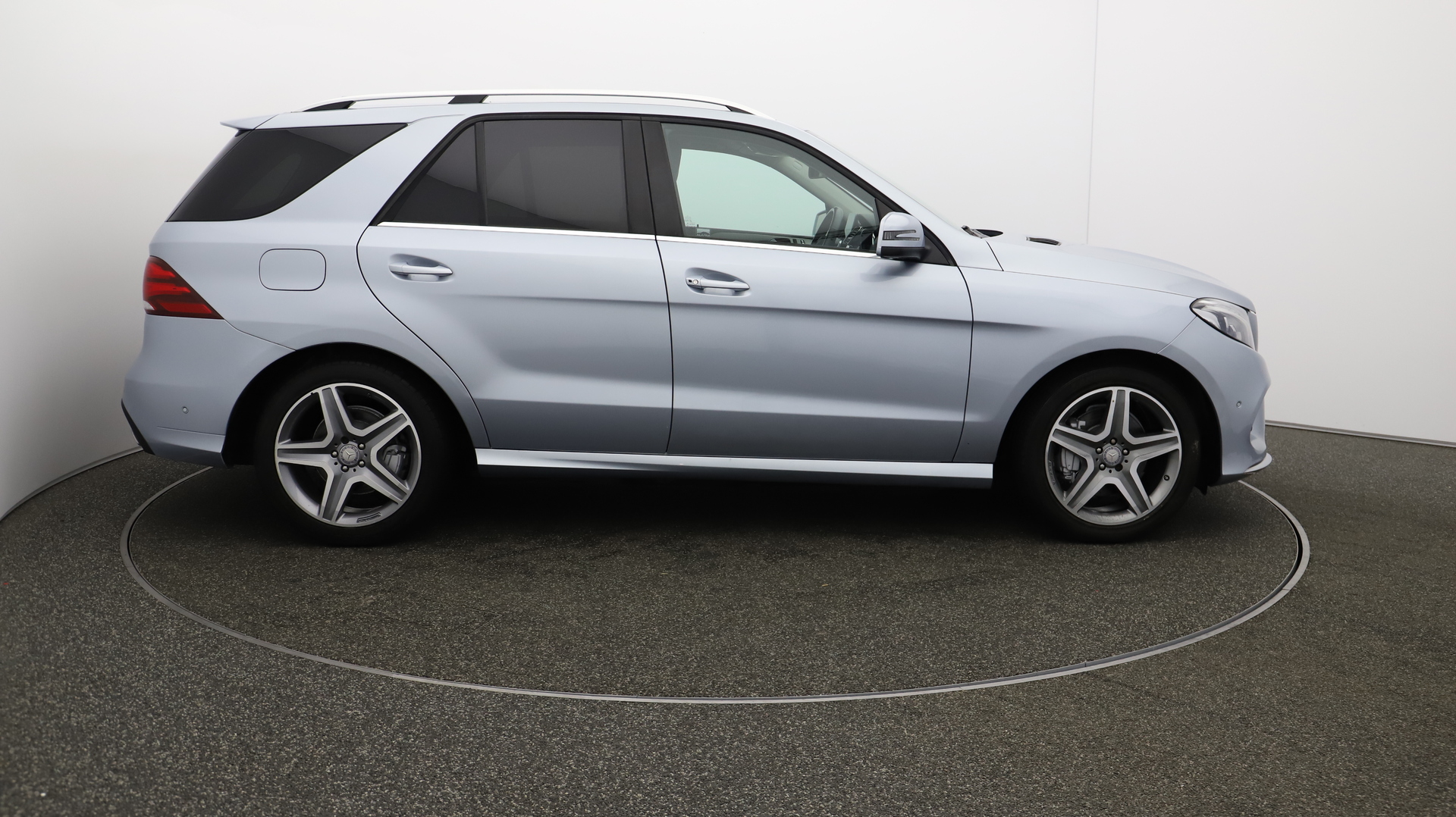 Mercedes-Benz Gle GLE 350 D 4MATIC AMG LINE Service History