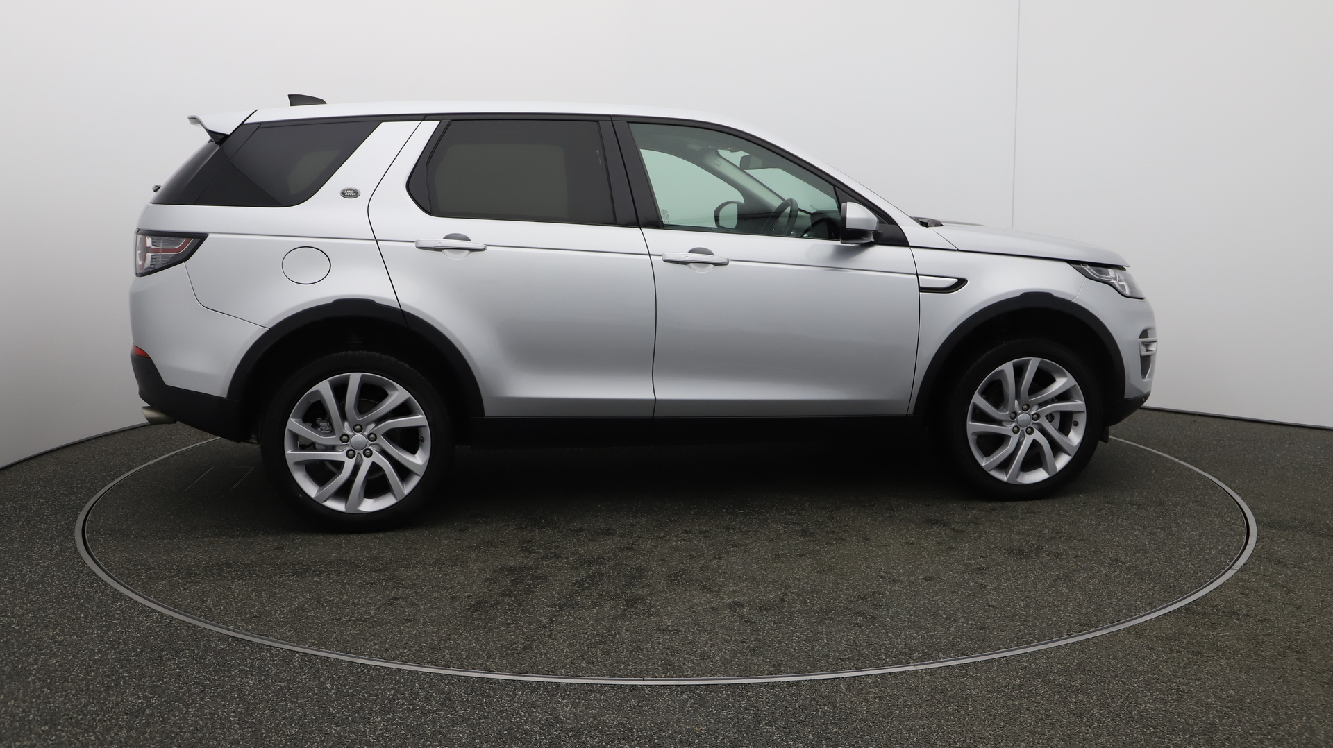 Land Rover Discovery Sport TD4 HSE LUXURY Service History