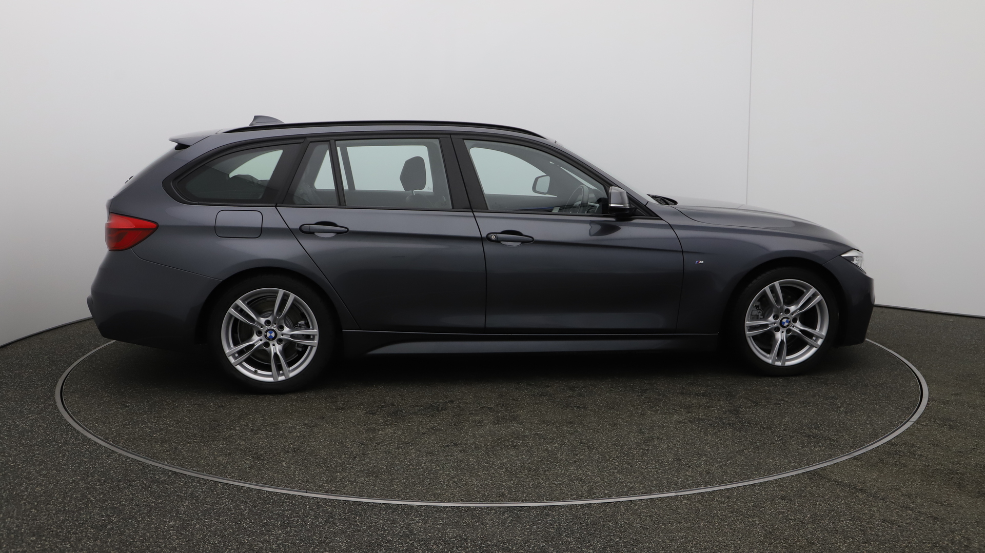 BMW 3 Series 330D M SPORT TOURING Service History