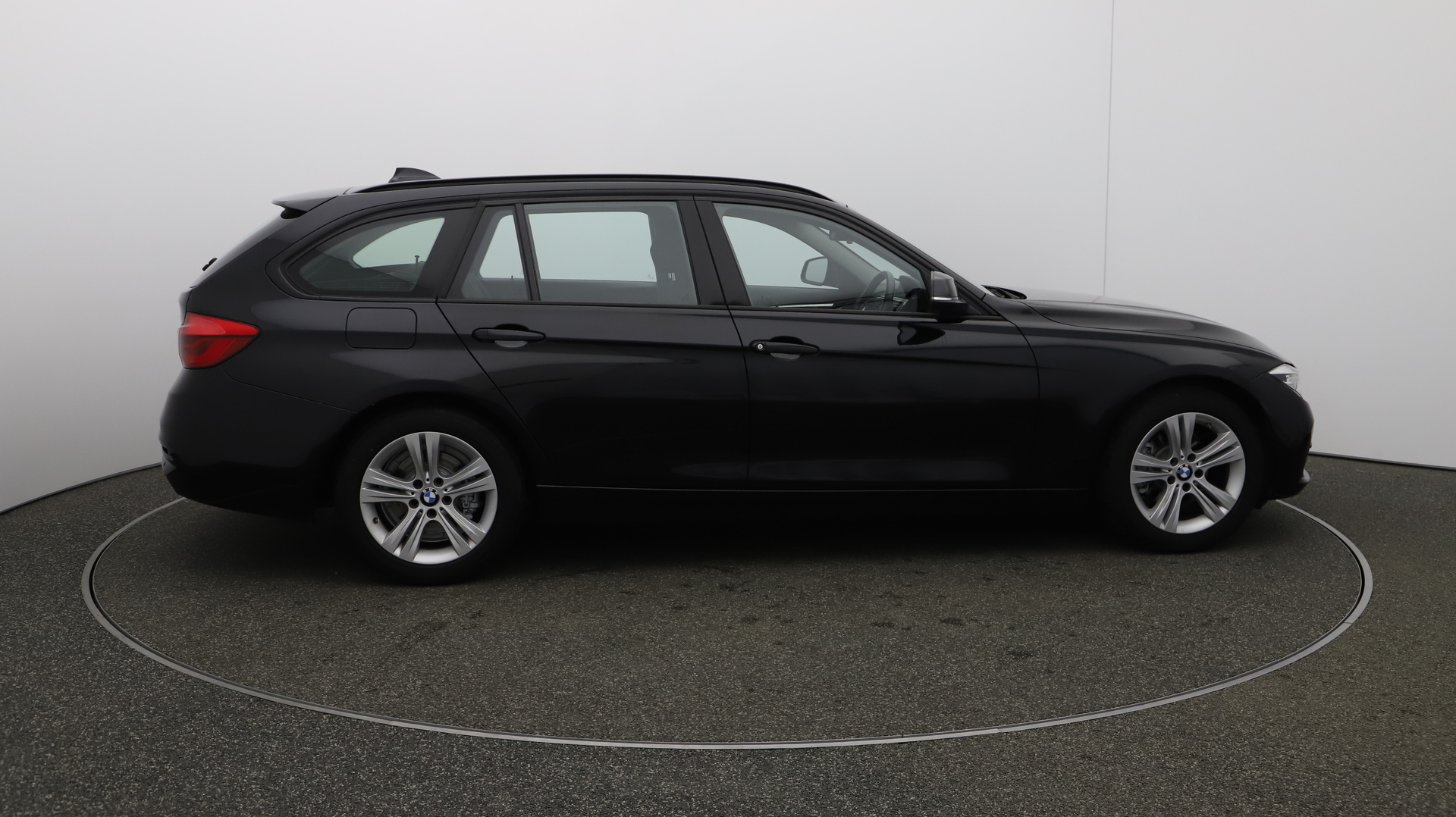 BMW 3 Series 318I SPORT TOURING Service History