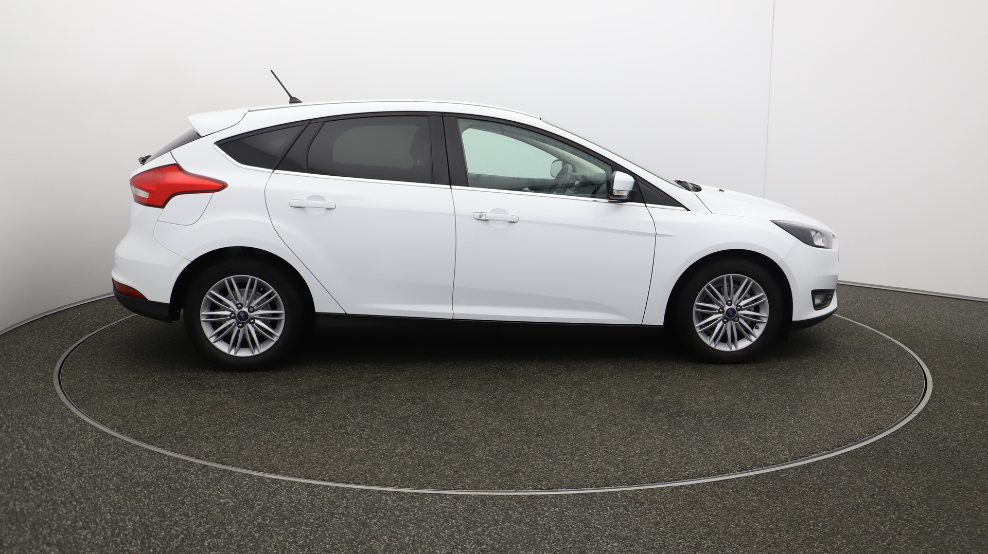 Ford Focus ZETEC EDITION Service History