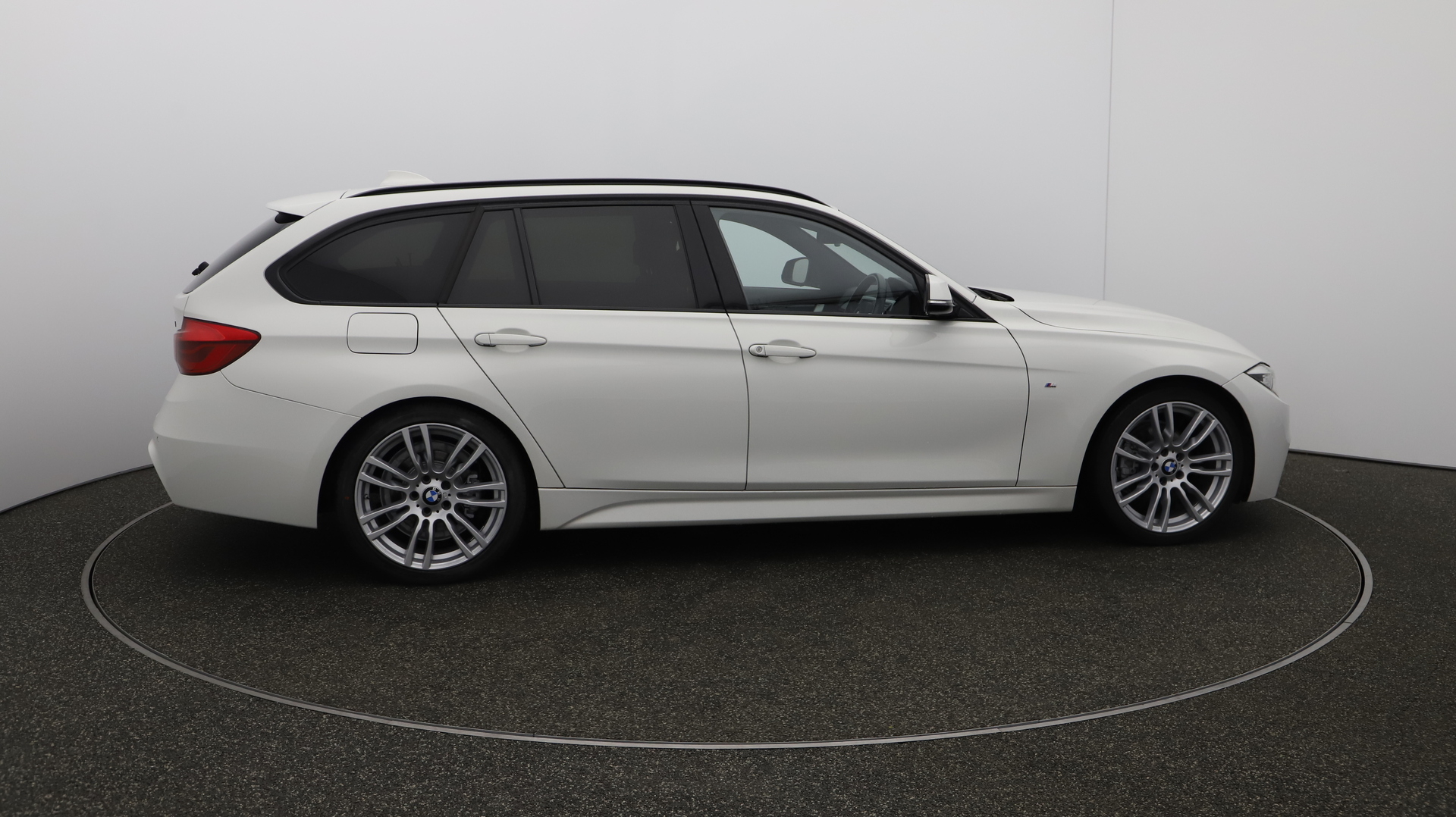 BMW 3 Series 320D M SPORT TOURING Service History