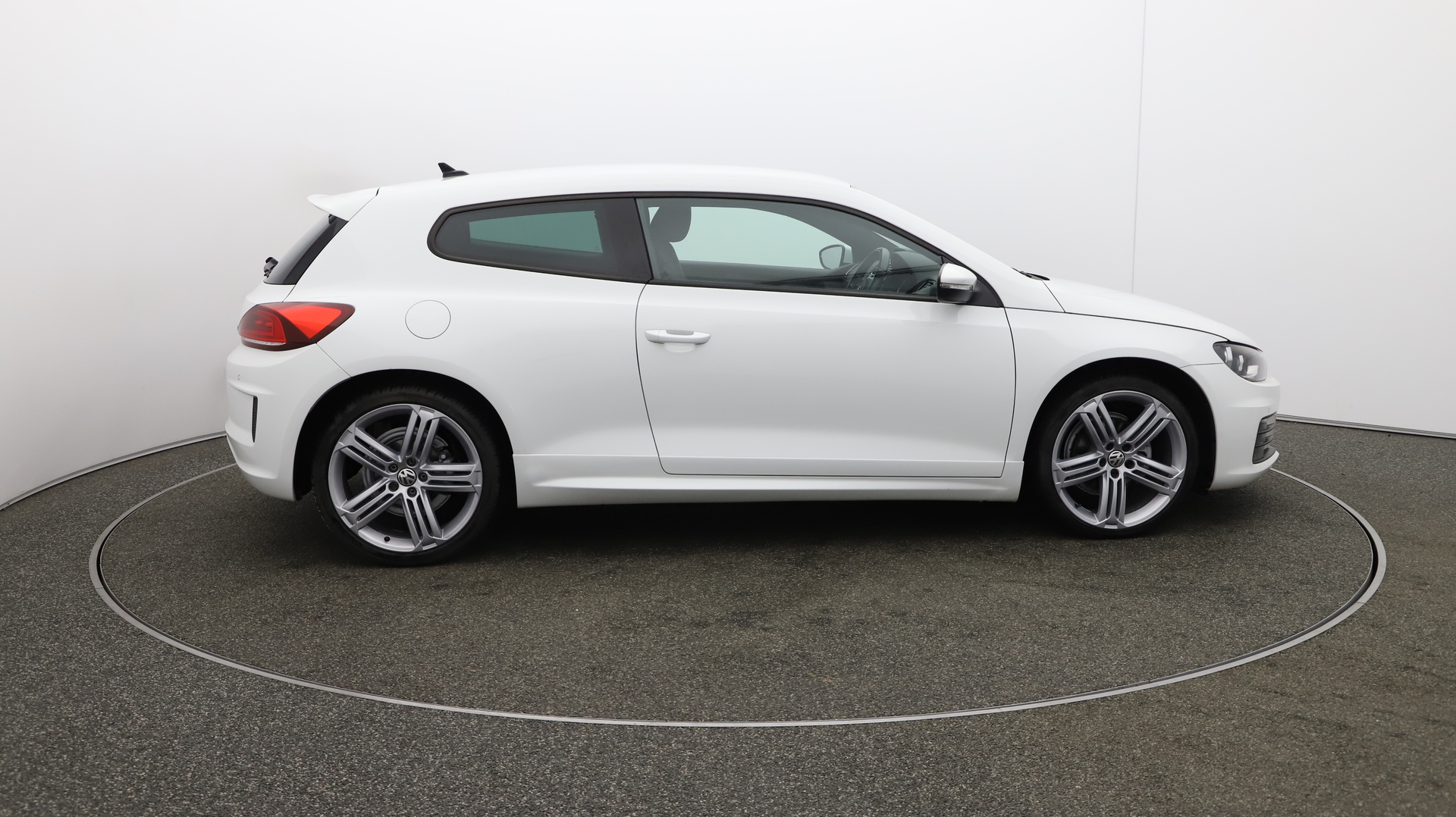 Volkswagen Scirocco R LINE TDI BLUEMOTION TECHNOLOGY DSG Service History
