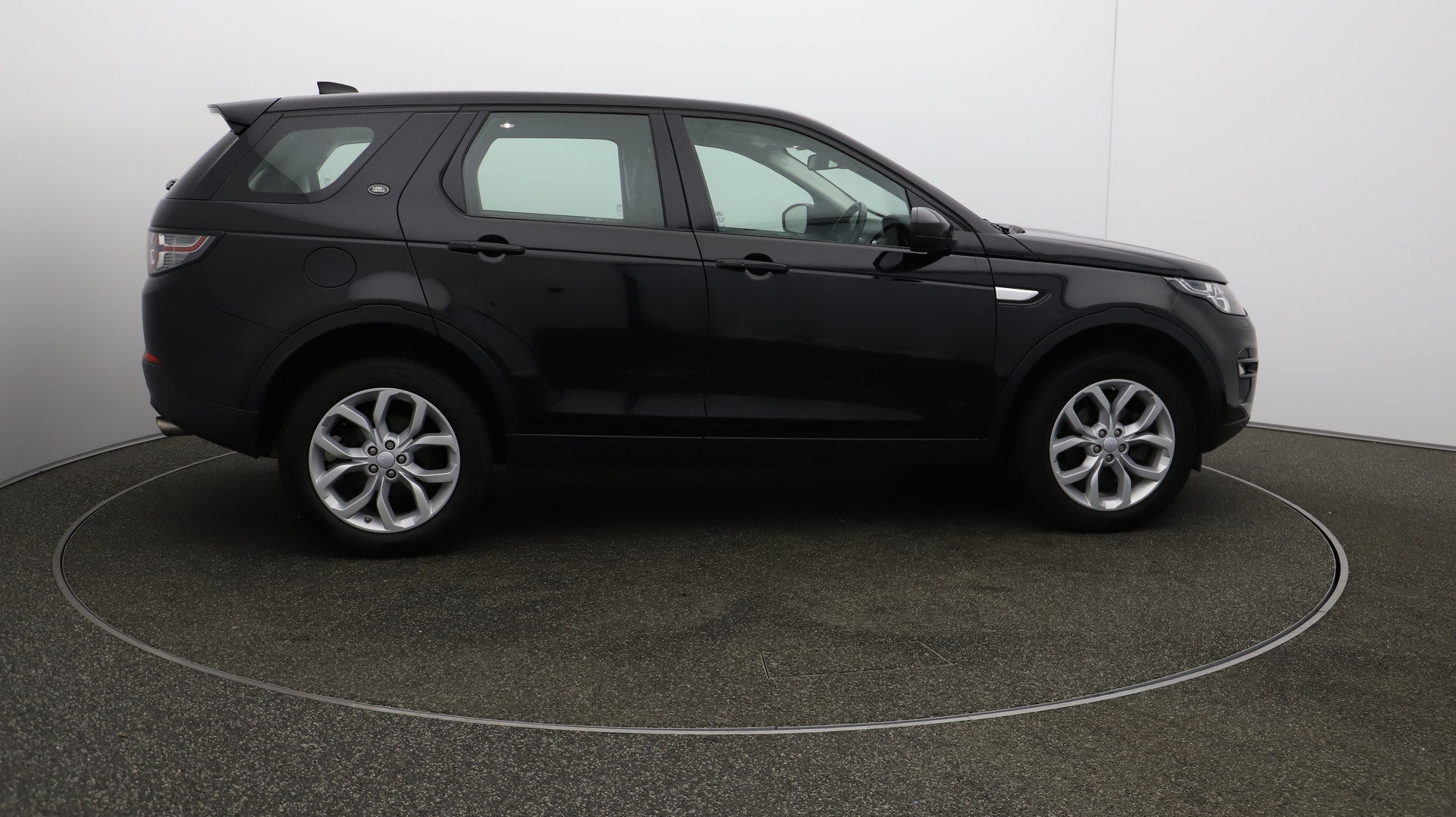 Land Rover Discovery Sport TD4 HSE Service History