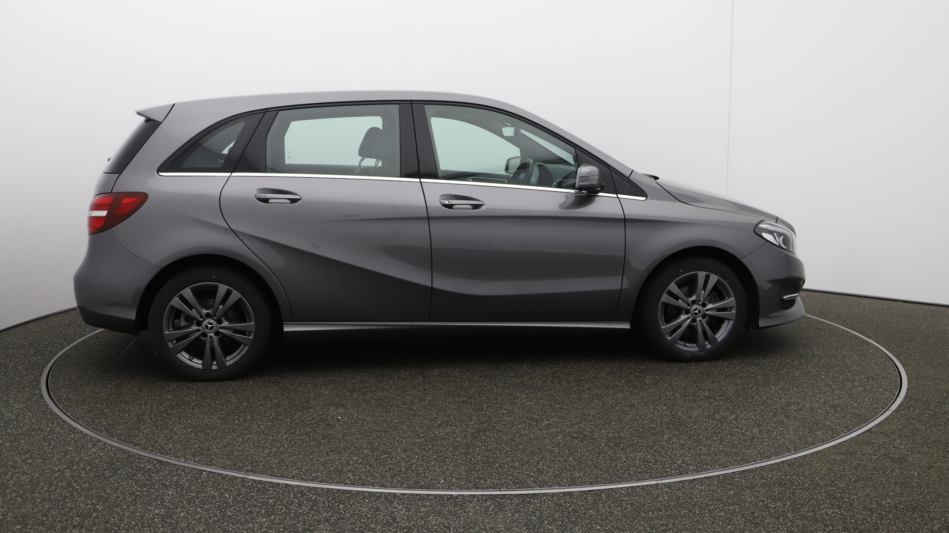 Mercedes-Benz B Class B 180 EXCLUSIVE EDITION Service History