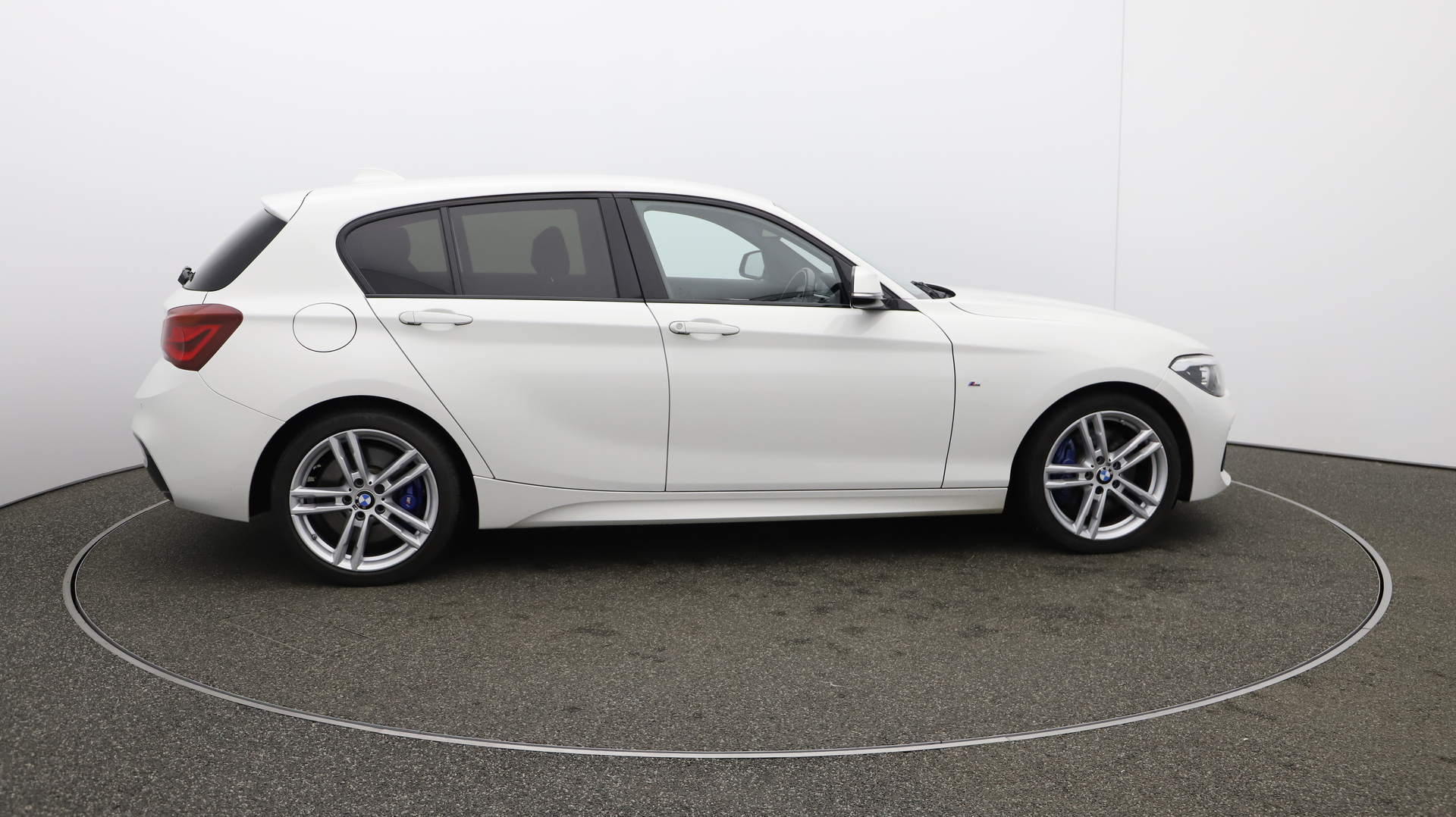 BMW 1 Series 118D M SPORT SHADOW EDITION Service History