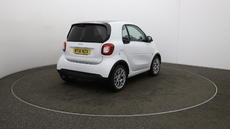 Smart fortwo EDITION WHITE T 3