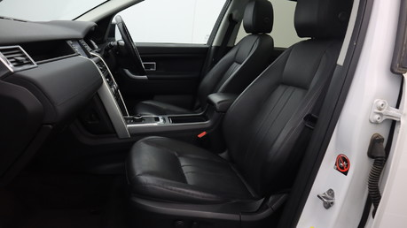 Land Rover Discovery Sport TD4 HSE BLACK 15