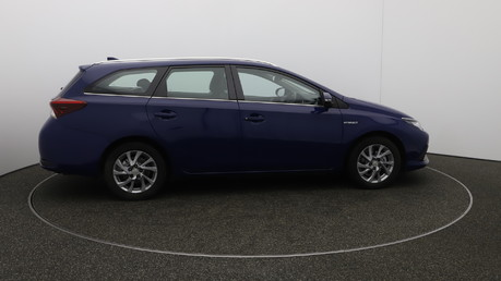 Toyota Auris VVT-I ICON TOURING SPORTS TSS